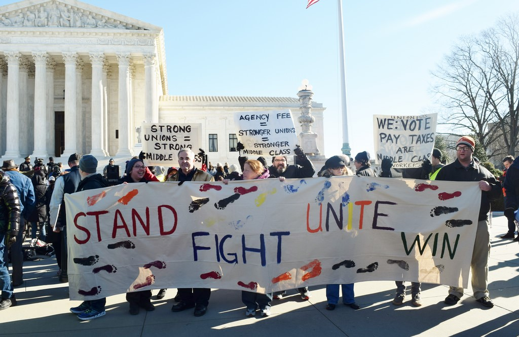 protest in favor of unions at Supreme Court